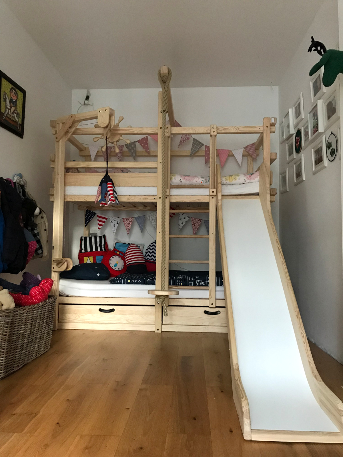 A real photo of MONTEREY bunk bed by Barbora (1)