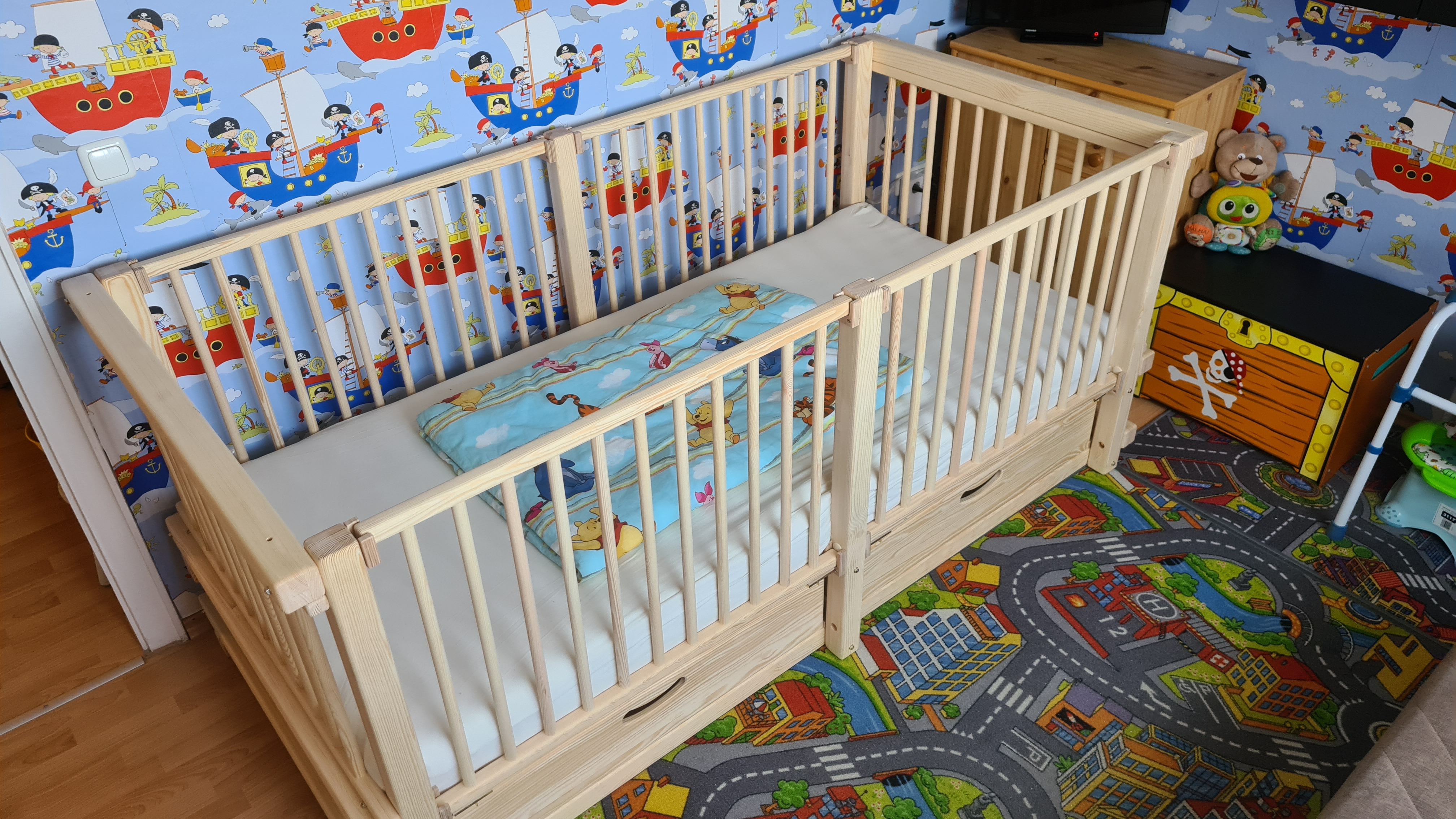A real photo of ALABAMA baby cot by Udo Radtke  (1)