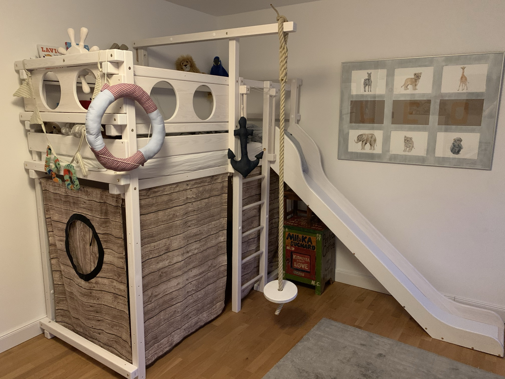 A real photo of WINNIPEG loft bed white by Elina  (1)