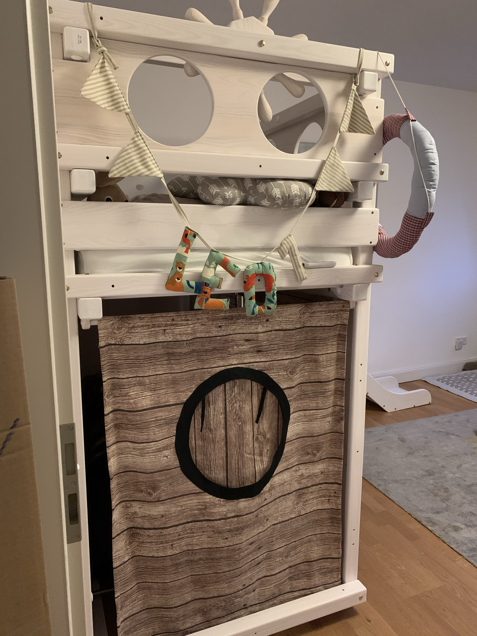 A real photo of WINNIPEG loft bed white by Elina  (2)